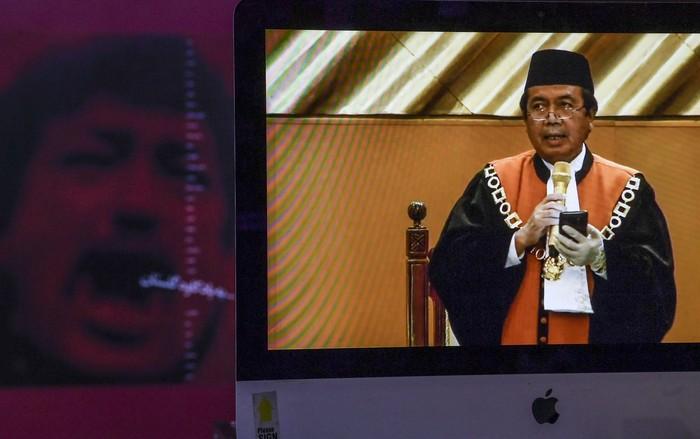 Hakim agung Syarifuddin sah jadi Ketua Mahkamah Agung (MA) ke-14 gantikan Hatta Ali. Hakim agung Syarifuddin jadi Ketua MA usai mendapatkan 32 suara hakim agung