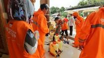 Pertamina Semprot Disinfektan ke 10 Masjid dan Langgar di Samarinda