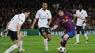 Kisah 10 Tahun Lalu: Satu Gol Bendtner Dibalas Messi Empat Kali
