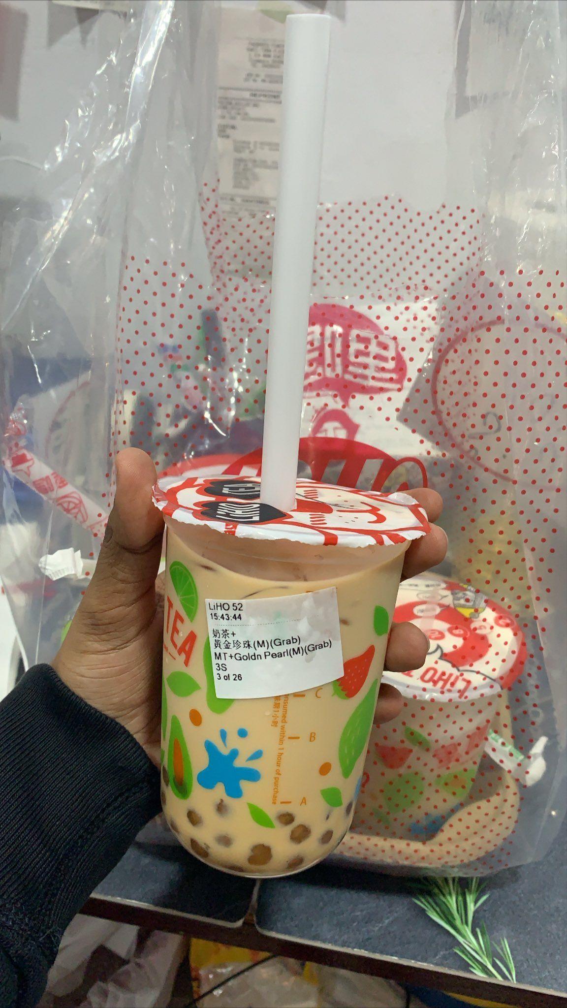 Kiriman bubble tea untuk pegawai supermarket