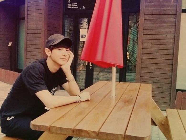 Pesona Tampan Park Chanyeol Terlihat Lewat Momen Kulinernya