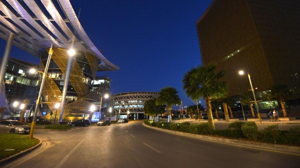 38 Meninggal Akibat Corona, Arab Saudi Perluas Jam Malam 24 Jam ke 9 Wilayah