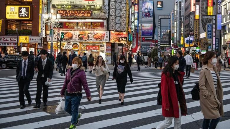 PM Jepang Shinzo Abe mengumumkan keadaan darurat terkait kasus virus Corona yang terus menyebar.