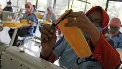 Badan Standardisasi Nasional (BSN) menetapkan Standar Nasional Indonesia (SNI) 8914:2020 tentang persyaratan mutu masker yang baik digunakan oleh masyarakat RI.