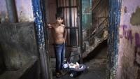 Dilema Kaum Papa di Peru Bertahan Hidup dari Corona & Kemiskinan