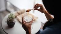 Slurpp! Susu Madu yang Gurih Legit Punya Manfaat Sehat Ini