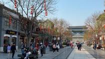 Warga China Banjiri Tempat Wisata, Ahli Takut Ada Gelombang Ketiga Corona
