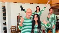 Bruce Willis dan Demi Moore Pesta Piyama di Momen Karantina