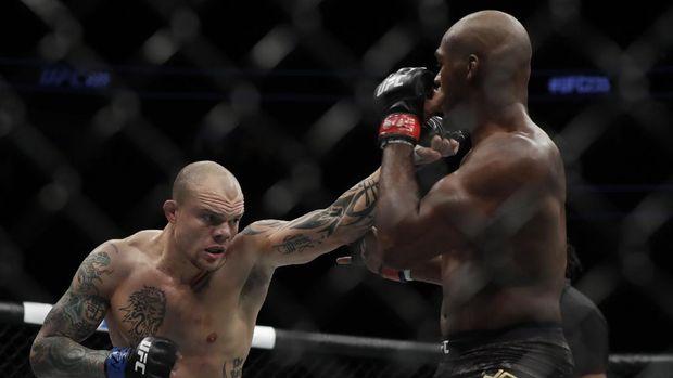 Kisah Petarung UFC Bertarung Sengit Lawan Penyusup