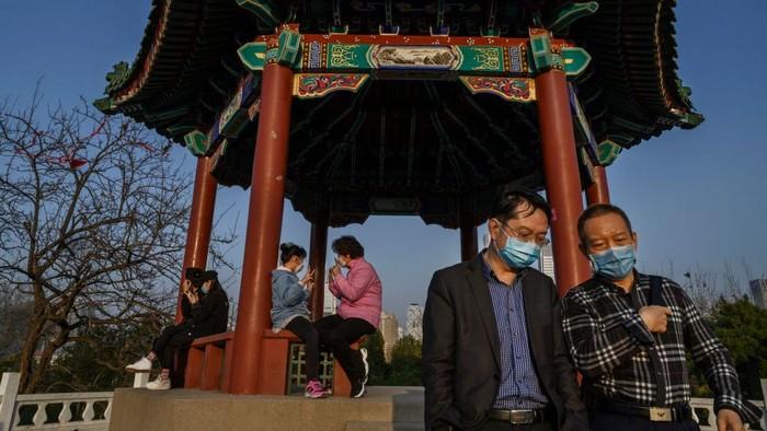 China kini mulai membuka tempat-tempat wisata, pasca menurunnya virus Covid-19 (Corona). Untuk menggenjot jumlah turis, pemerintah China menggratiskan tiket masuk tempat wisata di daerah.