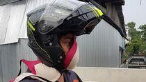 Ngakak! Foto Nyeleneh Orang Pakai Masker Unik, Celana Dalam hingga Bra