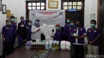 Perhimpunan Dokter Hewan Sumbang APD dan Obat ke RSUD Blambangan