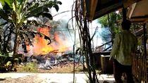 Dilalap Si Jago Merah, Sebuah Rumah di Ciamis Rata dengan Tanah