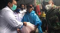 PKH Dirumahkan Akibat Corona, Pemkot Makassar Bagi Sembako ke 60.000 KK