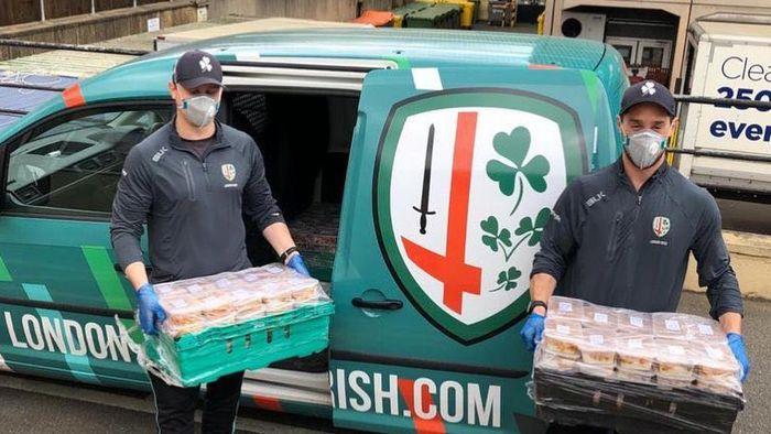 Tim Rugby London Irish memberikan pasokan sekitar 800 makanan setiap harinya untuk sejumlah Rumah Sakit di London dalam melawan virus corona. Foto pada 1 April 2020.