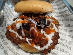 Luberger : Puas Makan Burger Berlumur Keju dengan Patty Lebar