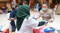 Stok Darah Menipis, Polisi hingga ASN Jatim Kompak Donor