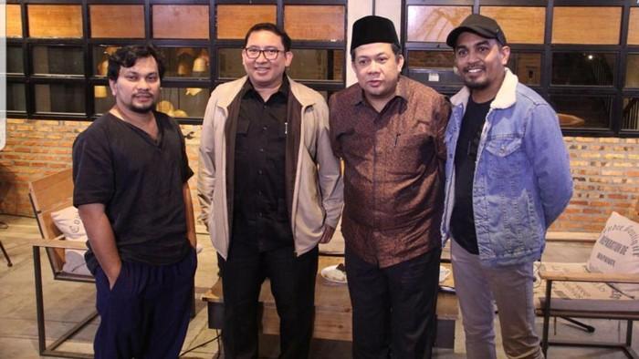 Fadli Zon berfoto bersama Glenn Fredly, Fahri Hamzah, dan Tompi