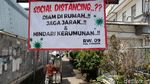 Spanduk Soal Corona juga Menghiasi Gang di Kota Bandung