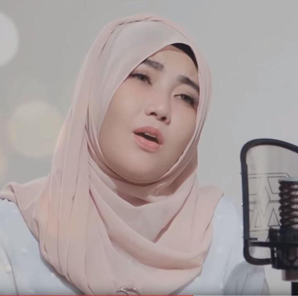 Ikut Cover Aisyah Istri Rasulullah, Via Vallen Langsung Trending