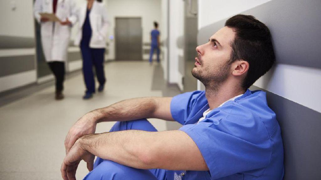 Dihajar Corona, Perawat Filipina Kelelahan-Sakit-Berhenti Kerja