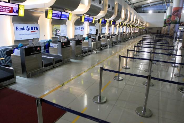 Pemerintah Indonesia melarang WNA masuk dan transit ke wilayah Indonesia. Terminal internasional di sejumlah bandara kini tampak lengang.