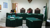 Jadi Tersangka Korupsi, 2 Pejabat PN Trenggalek Ajukan Praperadilan