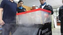Universitas Pendidikan Indonesia (UPI) menginsiasi penciptaan produk teknologi baru untuk penanganan berbagai macam penyakit yang berhubungan dengan COVID-19.
