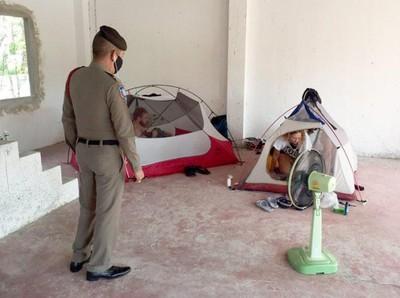 Kisah Turis Terdampar di Samping Krematorium Saat Phuket Lockdown