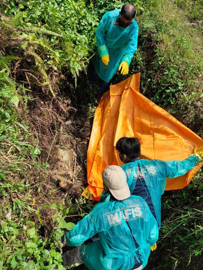 Proses Evakuasi Mayat di Serdang Bedagai Sumut