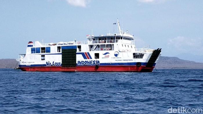 Kapal yang melayani penyeberangan Ketapang-Gilimanuk