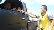 Difabel di Wonosobo Turun ke Jalan Bagikan Sembako dan 1.000 Masker