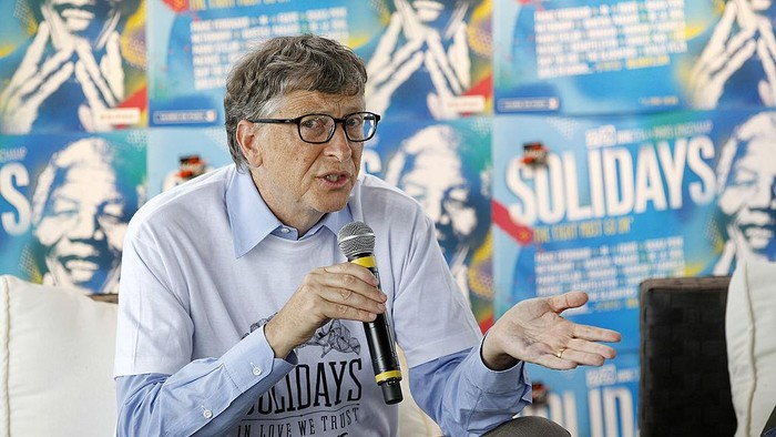 PARIS, FRANCE - JUNE 27:  Bill Gates, the co-Founder of the Microsoft company and and co-Founder of the Bill and Melinda Gates Foundation, delivers a speech during a press conference at the Solidays festival, on June 27, 2014 in Paris, France. Bill Gates visited the 16th edition of the Solidays music festival, dedicated to the fight against AIDS.  (Photo by Thierry Chesnot/Getty Images)