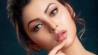 Ratu Kecantikan Jadi Kontroversi, Pamer Foto Seksi Saat Karantina Corona