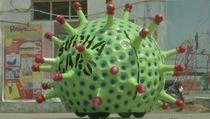 Hiiii.....Virus Corona Raksasa Keluyuran di Jalanan India