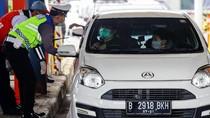 Petugas Berjaga, Tak Ada Lagi Alasan Tinggalkan Jakarta karena Kerja