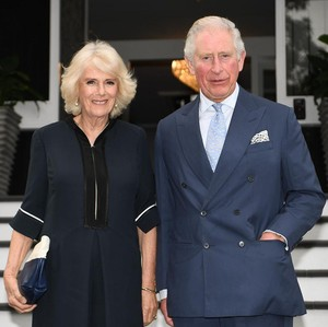 Pangeran Charles Terjun ke Bisnis Fashion, Rilis Baju Seharga Rp 21 Juta