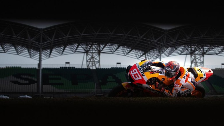 Repsol Honda Teams Spanish rider Marc Marquez takes a corner during the last day of the pre-season MotoGP winter test at the Sepang International Circuit in Sepang on February 9, 2020. (Photo by Mohd RASFAN / AFP)