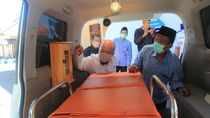 Bantuan Ambulance Diberikan ke Ponpes Banyuwangi di Tengah Pandemi Corona
