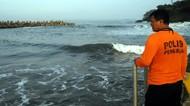 2 Remaja Asal Bogor Hilang Terseret Ombak di Pantai Palabuhanratu