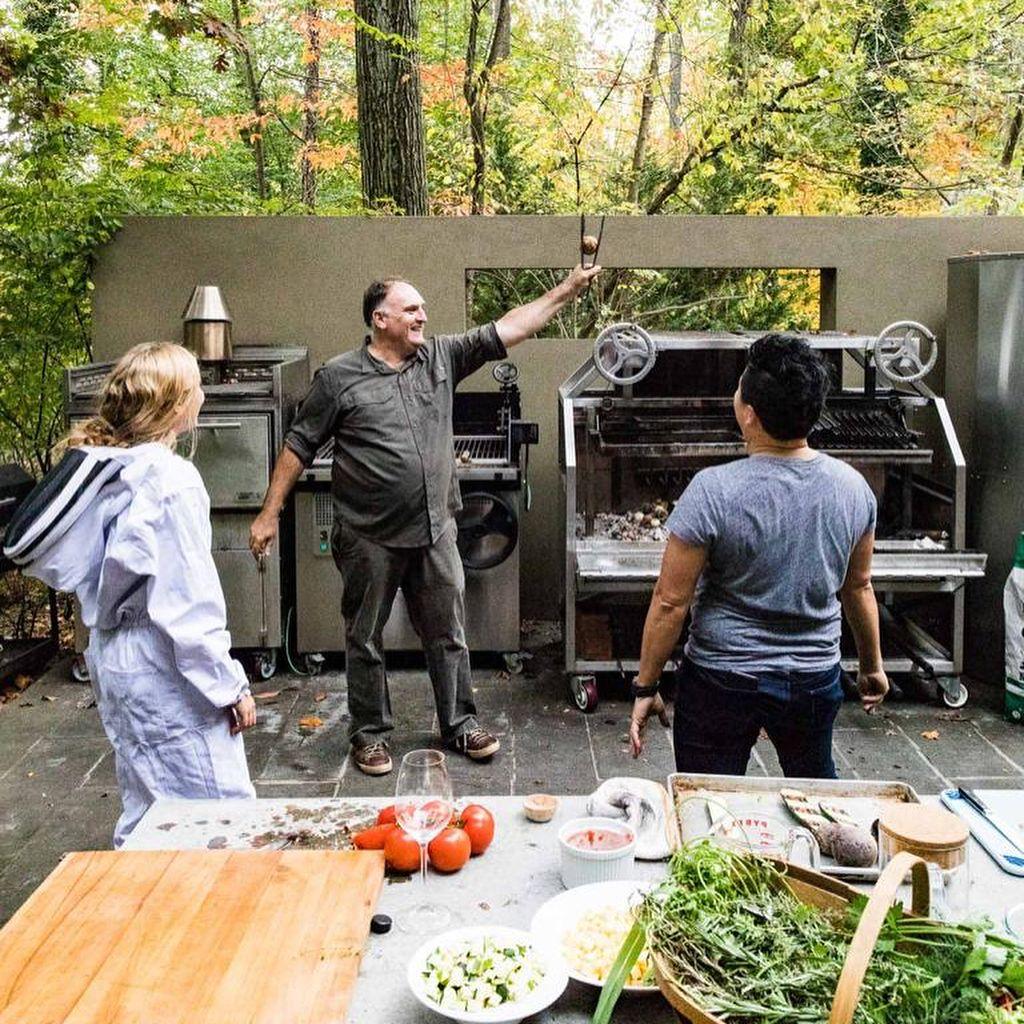 chef beri makanan gratis