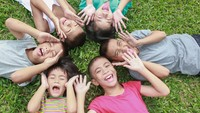 Ajarkan Anak Soal Aturan Emas dalam Pertemanan, Apa Itu?