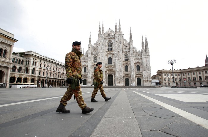 Perdana Menteri (PM) Italia, Giuseppe Conte, memutuskan untuk memperpanjang lockdown demi membatasi penyebaran virus Corona (COVID-19) hingga 3 Mei mendatang.