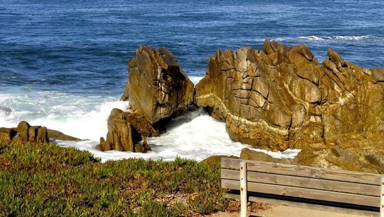 Destinasi Kissing Rock di AS