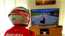 Aksi Pebalap Ducati Pakai Helm Indonesia Selama #dirumahaja