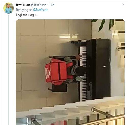 driver ojol main piano