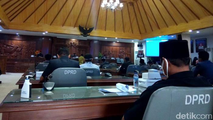 Suasana rapat DPRD Kabupaten Rembang pekan lalu
