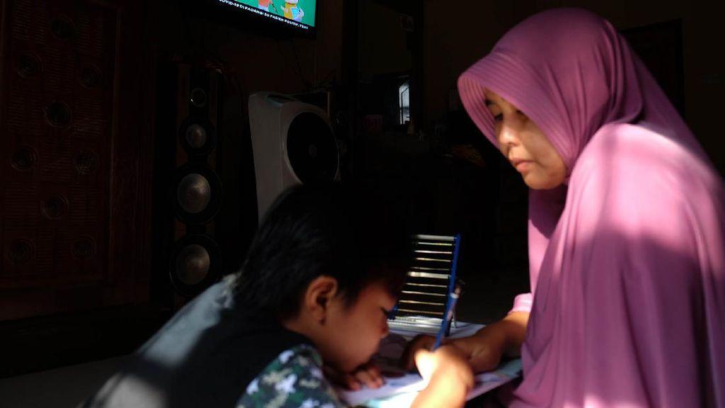 Siswa di Banda Aceh Lanjut Belajar dari Rumah, Orangtua jadi Guru Kedua