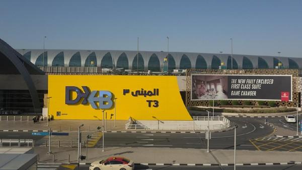 Bandara Dubai di Uni Emirat Arab masuk ke peringkat 3 bandara terbaik di dunia. Masuk ke dalamnya, traveler seakan disambut dengan mewah bak sultan(iStock)