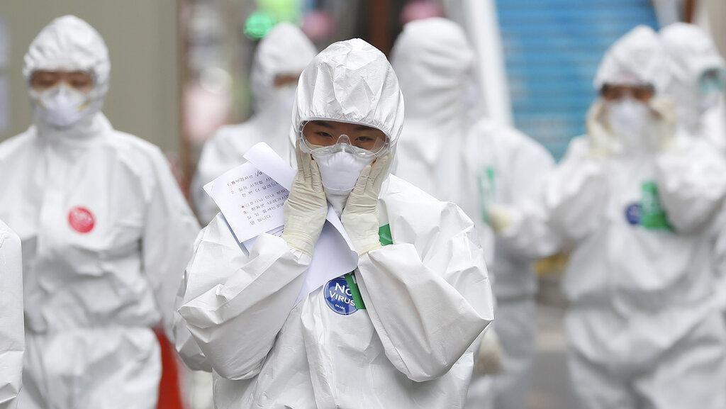 Dokter-dokter Korea Selatan Mogok Kerja Saat Kasus Corona Melonjak